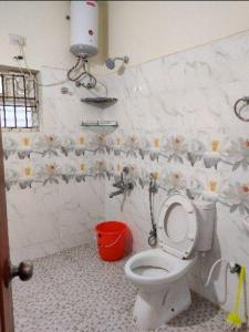 Bathroom Image of Chennai's PG Hub in Tharamani