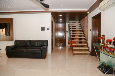 Gallery Cover Image of 9500 Sq.ft 6 BHK Independent House for buy in Juhu for 850000000