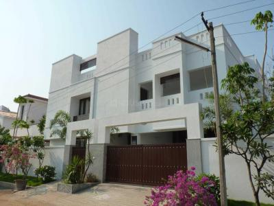 Gallery Cover Image of 6500 Sq.ft 4 BHK Independent House for buy in Panaiyur for 60000000