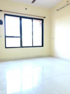 Gallery Cover Image of 520 Sq.ft 1 BHK Apartment for rent in Kandivali West for 18000