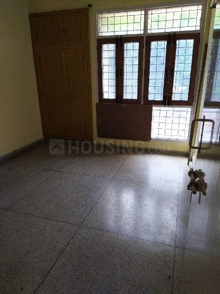 Bedroom Image of 950 Sq.ft 2 BHK Apartment for rent in CGEWHO CGEWHO Kendriya Vihar 2, Sector 82 for 13000