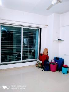 Gallery Cover Image of 380 Sq.ft 1 RK Apartment for rent in Mulund East for 16000