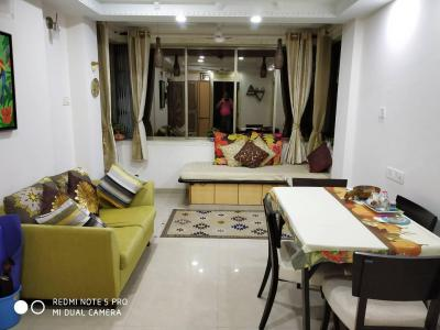Gallery Cover Image of 900 Sq.ft 2 BHK Apartment for rent in Bandra West for 70000