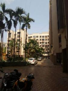 Gallery Cover Image of 605 Sq.ft 1 BHK Apartment for rent in Malad West for 30000