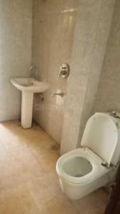 सेक्टर 104 में ज़ोलो स्टेय के बाथरूम की तस्वीर