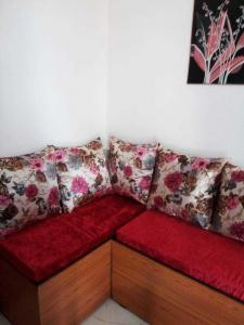Gallery Cover Image of 1200 Sq.ft 2 BHK Apartment for rent in Senior Citizen Apartment, Phi II Greater Noida for 8000