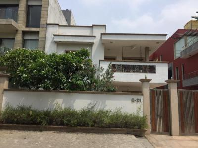 Gallery Cover Image of 7500 Sq.ft 5 BHK Independent House for rent in Sector 50 for 180000