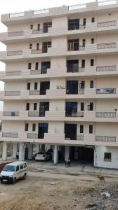 Gallery Cover Image of 1300 Sq.ft 3 BHK Independent Floor for buy in Noida Extension for 3150000