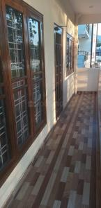 Gallery Cover Image of 1750 Sq.ft 3 BHK Independent Floor for buy in Kulhan for 4900000
