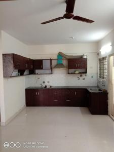Gallery Cover Image of 1200 Sq.ft 2 BHK Apartment for rent in Rajajinagar for 23000