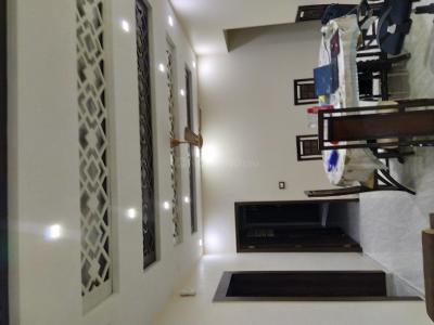 Gallery Cover Image of 1250 Sq.ft 2 BHK Apartment for buy in Mayur Vihar II for 14500000
