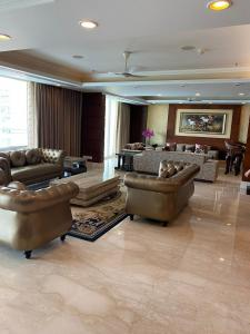 Gallery Cover Image of 1890 Sq.ft 3 BHK Independent House for rent in Sushant Lok I for 55000