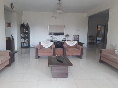 Gallery Cover Image of 2925 Sq.ft 4 BHK Apartment for rent in Bodakdev for 60000