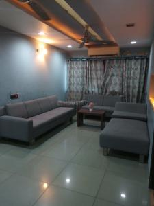 Gallery Cover Image of 1950 Sq.ft 3 BHK Apartment for rent in Ambawadi for 32000