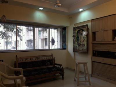 Gallery Cover Image of 1200 Sq.ft 3 BHK Apartment for rent in Kandivali East for 35000