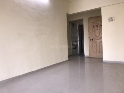 Gallery Cover Image of 530 Sq.ft 1 BHK Apartment for rent in Kandivali West for 18000