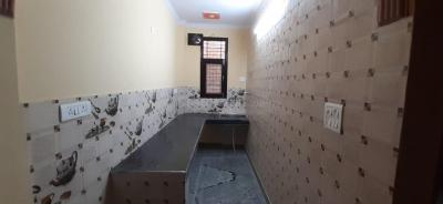 Gallery Cover Image of 558 Sq.ft 2 BHK Apartment for rent in Mahavir Enclave for 10000