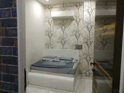 Gallery Cover Image of 550 Sq.ft 1 BHK Apartment for buy in Madanpura for 11000000