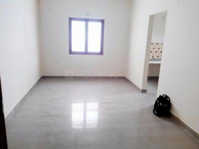 Gallery Cover Image of 800 Sq.ft 2 BHK Apartment for rent in Maraimalai Nagar for 6500