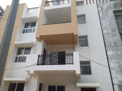 Gallery Cover Image of 1379 Sq.ft 3 BHK Independent Floor for buy in Sector 83 for 4200000
