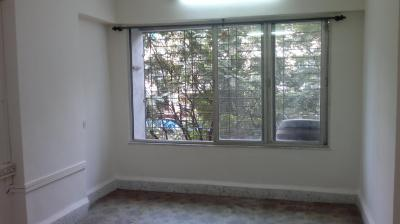 Gallery Cover Image of 840 Sq.ft 2 BHK Apartment for rent in Brahma Niwas, Mulund East for 27000