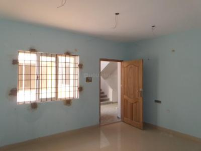Gallery Cover Image of 870 Sq.ft 2 BHK Apartment for buy in Thandalam for 2958000