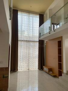 Gallery Cover Image of 2306 Sq.ft 3 BHK Independent Floor for buy in Uttarahalli Hobli for 12600000