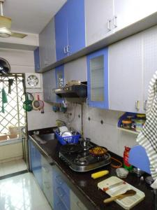 Gallery Cover Image of 600 Sq.ft 1 BHK Apartment for rent in Kandivali West for 35000