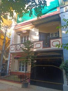 Gallery Cover Image of 1600 Sq.ft 2 BHK Independent House for rent in HSR Layout for 35000
