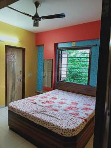 Gallery Cover Image of 650 Sq.ft 2 BHK Apartment for rent in Ghatlodiya for 15000