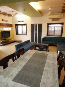 Gallery Cover Image of 2500 Sq.ft 3 BHK Villa for rent in Armaan Bungalows, Bodakdev for 70000