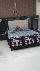 Gallery Cover Image of 4500 Sq.ft 3 BHK Independent Floor for rent in DLF Phase 2 for 78000