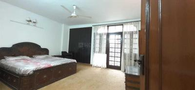 Gallery Cover Image of 1800 Sq.ft 3 BHK Independent Floor for rent in Chittaranjan Park for 65000