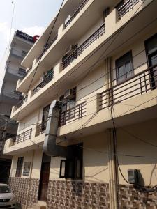 Building Image of Paramveer Boys PG in Sector 38