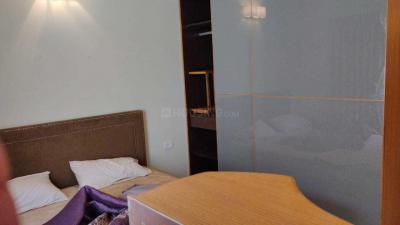 Gallery Cover Image of 1900 Sq.ft 4 BHK Apartment for rent in Thoraipakkam for 35000