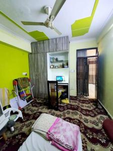 Gallery Cover Image of 1050 Sq.ft 3 BHK Independent Floor for buy in Jamia Nagar for 5500000