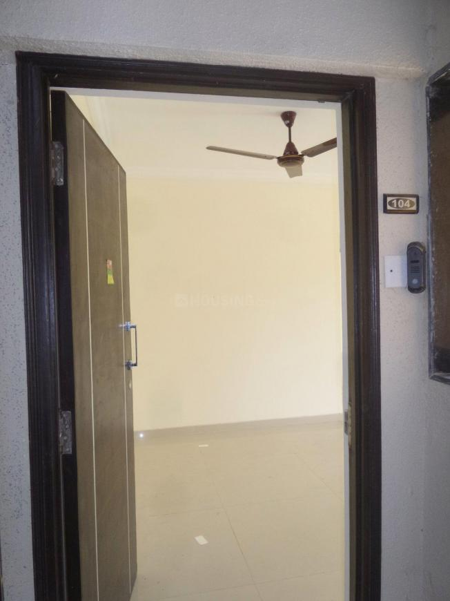 Main Entrance Image of 1100 Sq.ft 2 BHK Apartment for rent in Kandivali West for 26000