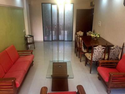 Gallery Cover Image of 920 Sq.ft 2 BHK Apartment for rent in Khar West for 75000