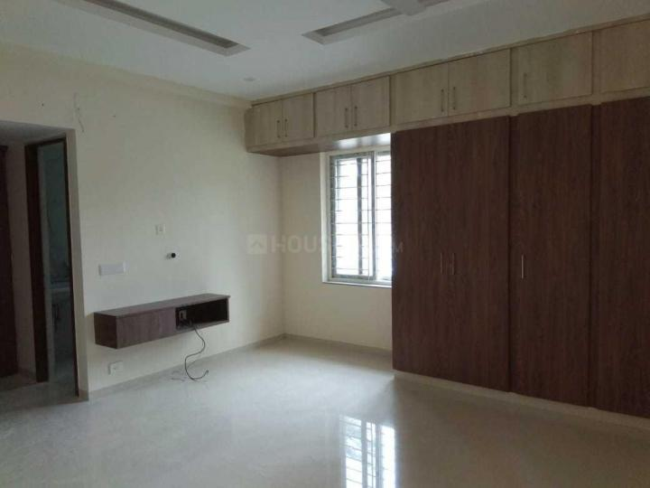 Living Room Image of 2400 Sq.ft 3 BHK Apartment for rent in Adyar for 75000