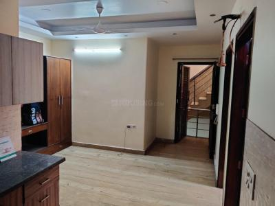 Gallery Cover Image of 900 Sq.ft 2 BHK Independent Floor for buy in Model Town for 6000000
