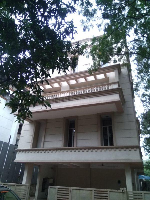 Building Image of 10400 Sq.ft 7 BHK Independent House for buy in Vashi for 120000000