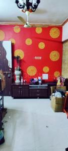 Gallery Cover Image of 450 Sq.ft 1 BHK Apartment for rent in Gokul residency, Kandivali East for 22000