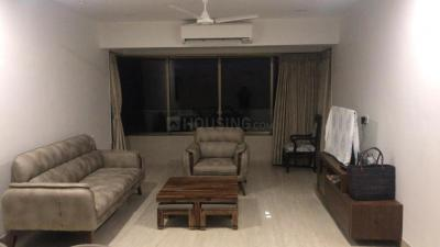 Gallery Cover Image of 1200 Sq.ft 2 BHK Apartment for rent in Hill Top Apartment, Bandra West for 180000