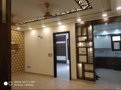 Gallery Cover Image of 900 Sq.ft 3 BHK Independent Floor for buy in Dwarka Mor for 5490000