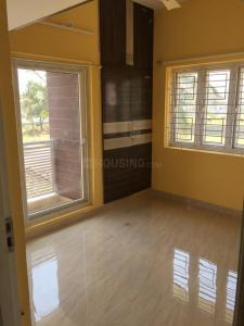 Gallery Cover Image of 800 Sq.ft 2 BHK Apartment for rent in Iyyappanthangal for 12500