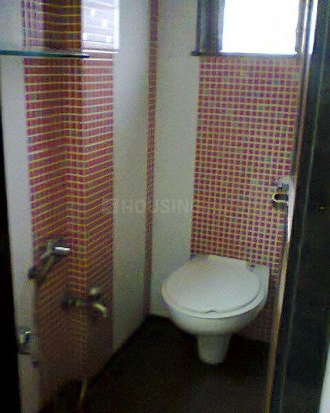 Bathroom Image of 700 Sq.ft 1 BHK Apartment for buy in Vikhroli East for 9900000