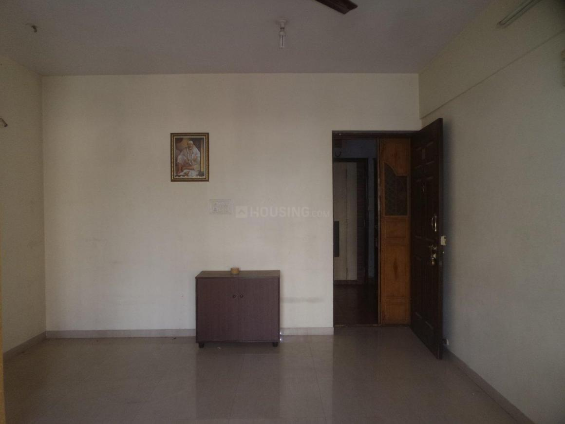 Living Room Image of 750 Sq.ft 2 BHK Apartment for rent in Thane West for 15000