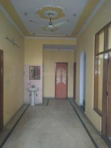 Gallery Cover Image of 1000 Sq.ft 3 BHK Independent Floor for rent in sector 73 for 20000