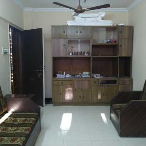 Gallery Cover Image of 2000 Sq.ft 8 BHK Independent House for buy in Bhayandar West for 7525000