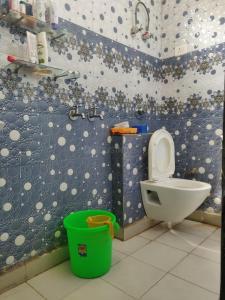 Bathroom Image of PG 4034661 Bharat Vihar in Bharat Vihar